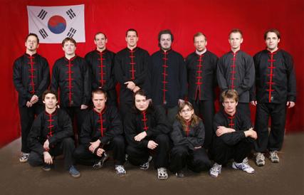 Trainer und Studenten der Kampfkunst-Schule Nord Shaolin Kung Fu Wien - Dezember 2007
